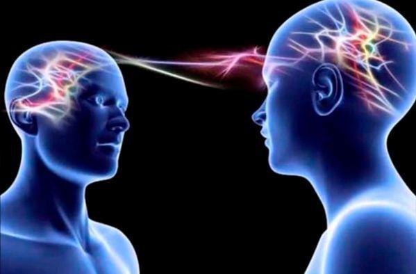 Podrás leer la mente de la gente y tener telepatía, pero nunca podrás dejar de oír sus voces y tener pesadillas.