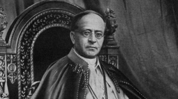 ¿Cuántos años y días fue Papa Pío XI?