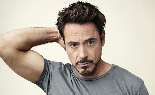 ¿Tiene 50 o más de 50 años el actor Robert Downey Jr.?