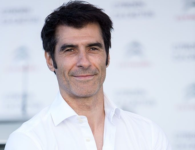 ¿Tiene 50 o más de 50 años el presentador de tv y modelo Jorge Fernández?