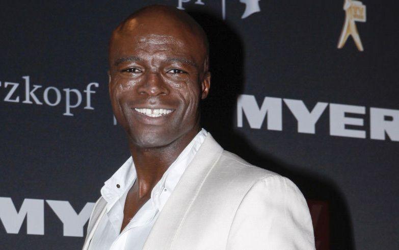 ¿Tiene 50 o más de 50 años el cantante Seal?