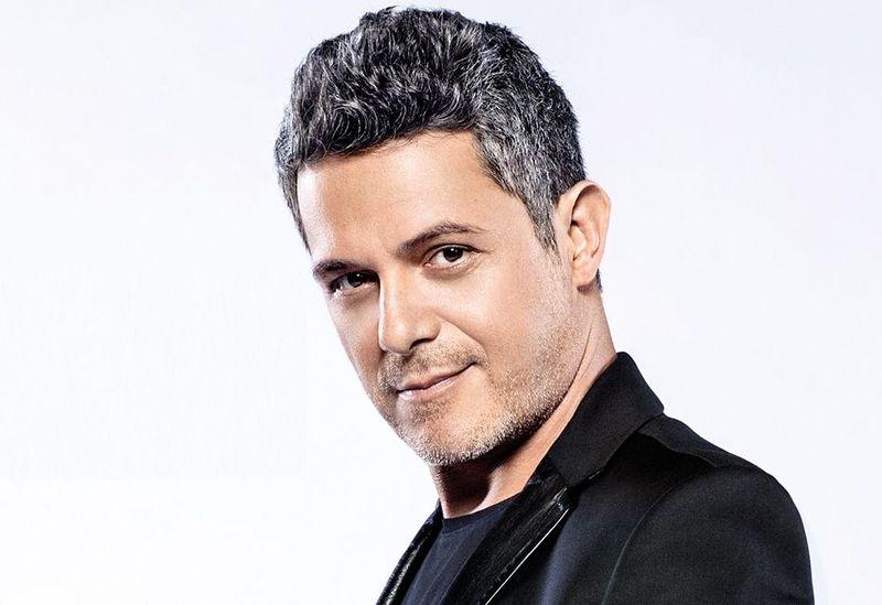 ¿Tiene 50 o más de 50 años el cantante Alejandro Sanz?