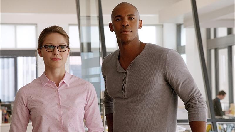¿De qué trabaja Supergirl cuándo es Kara Danvers?