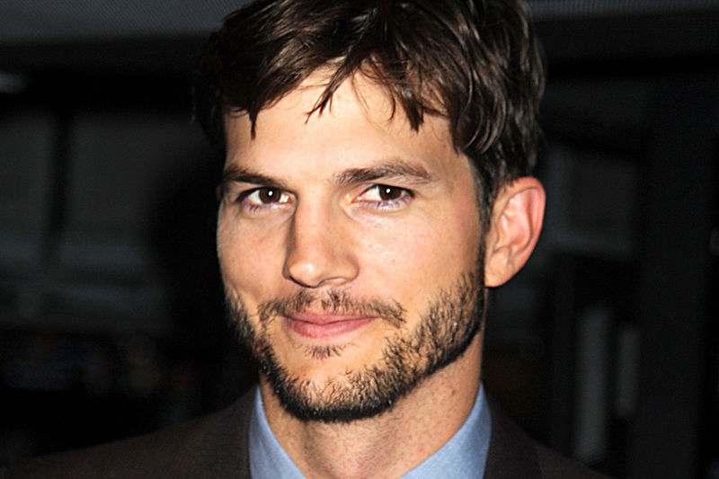 ¿Qué edad tiene Ashton Kutcher?