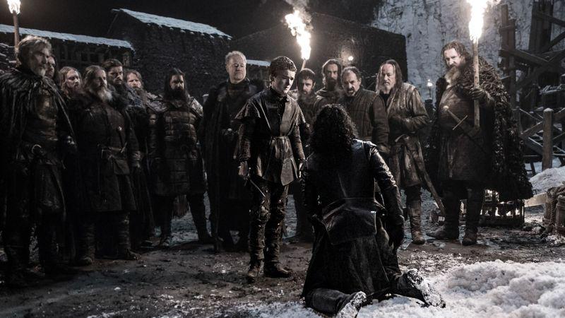 ¿Quién es el primero en intentar apuñalar al Comandante Jon Snow durante el motín en el Muro?