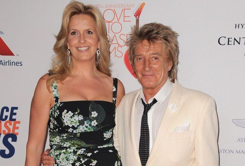 ¿Cuántos años se llevan de diferencia Rod Stewart y Penny Lancaster?
