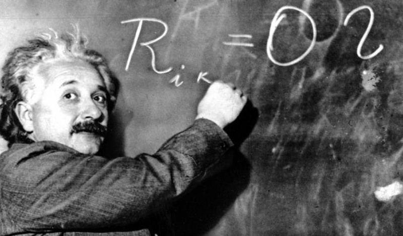 ¿En qué año se publica La Teoría de la Relatividad por Albert Einstein?