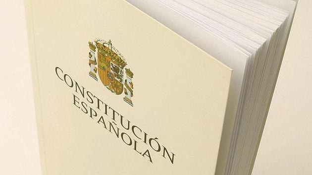 22883 - ¿Qué opinión tienes de las constituciones?