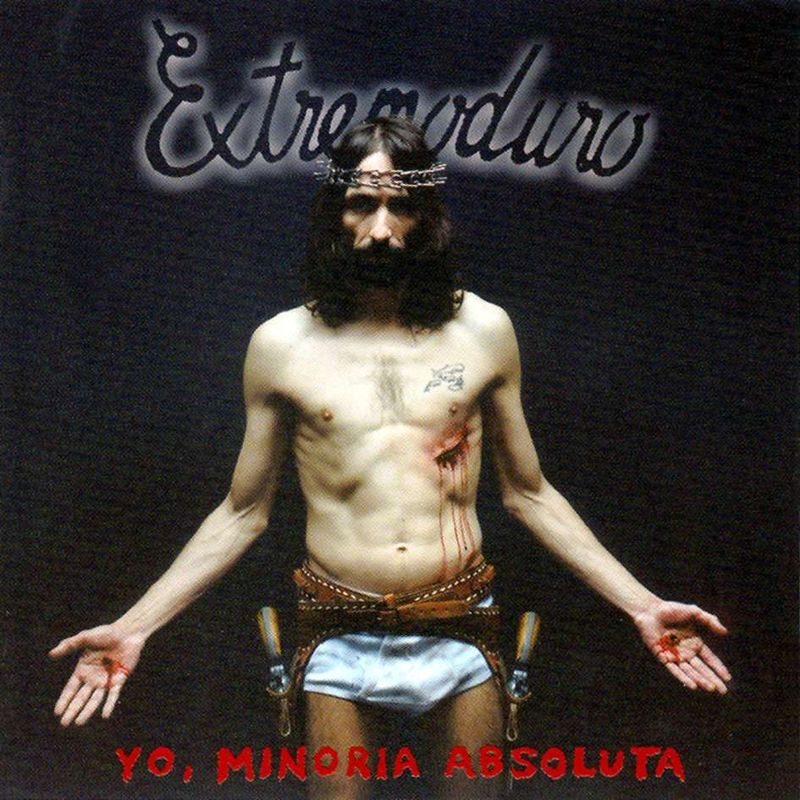 Extremoduro(puta): Que no me da la gana pasar media vida  buscando esa frase que tal vez no_____.