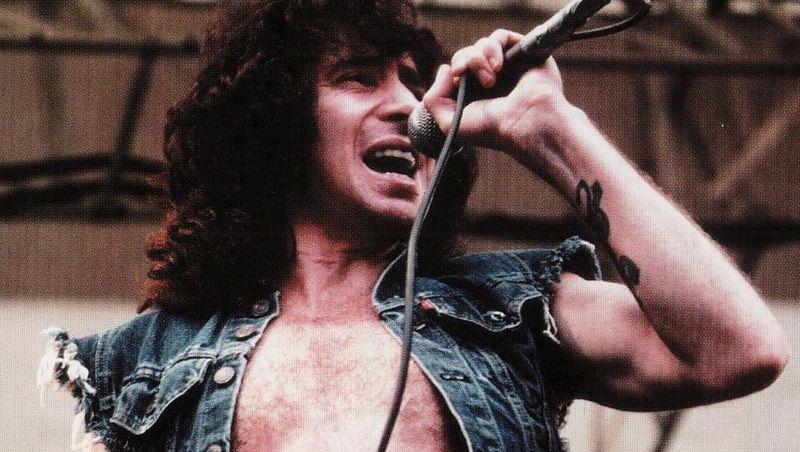 Bon Scott (Cantante de AC/DC)