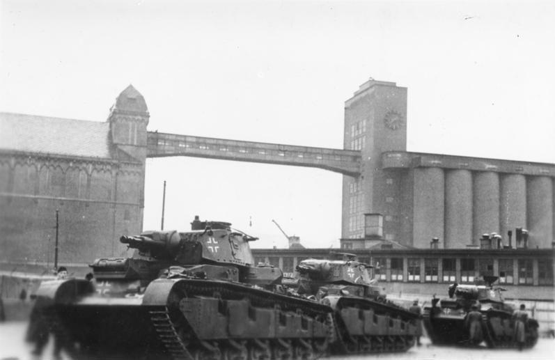 Poco a poco la cosa fue tomando forma y surgieron más propuestas. ¿Que nombre recibe este tanque?