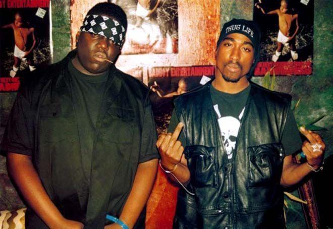 Nos alejamos hacia el mundo del Hip-Hop, la rivalidad entre la costa este y la costa oeste de Estados Unidos.