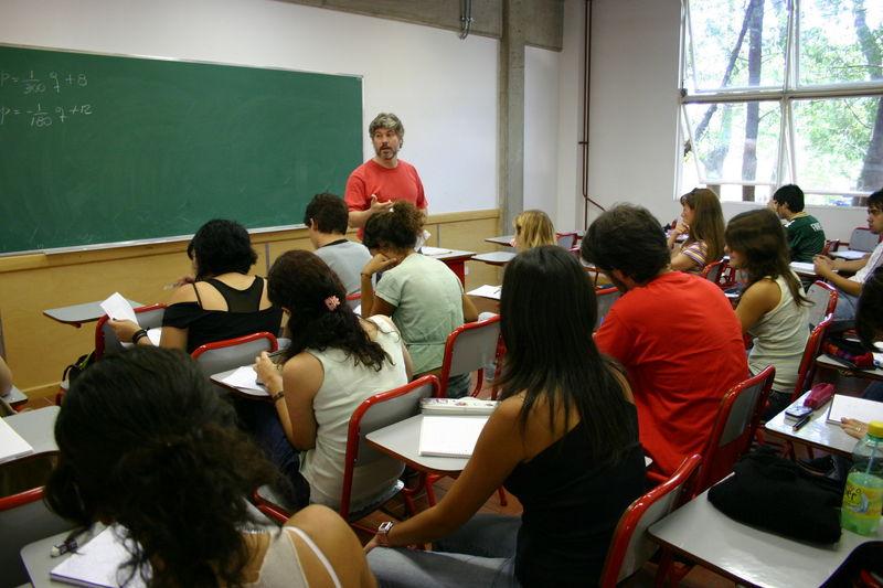 23311 - ¿Sabrías aguantar una hora de clase?