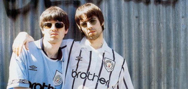 Volvemos con Oasis, esta vez con el núcleo del grupo, los hermanos Gallagher uno de los dúos más importantes de la historia.