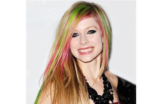 ¿Cuál es la obsesion/adicción de Avril Lavigne ?