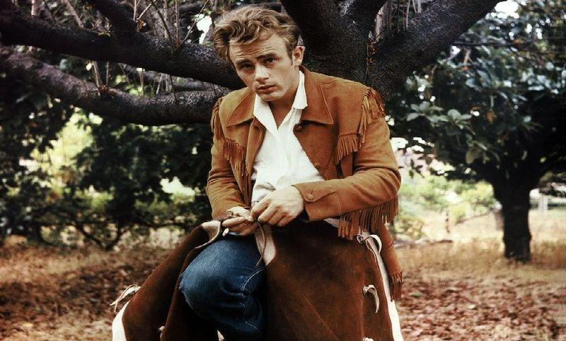 ¿Qué película de James Dean en los 50 popularizó los pantalones vaqueros convirtiéndose en una seña de identidad de los jóvenes?