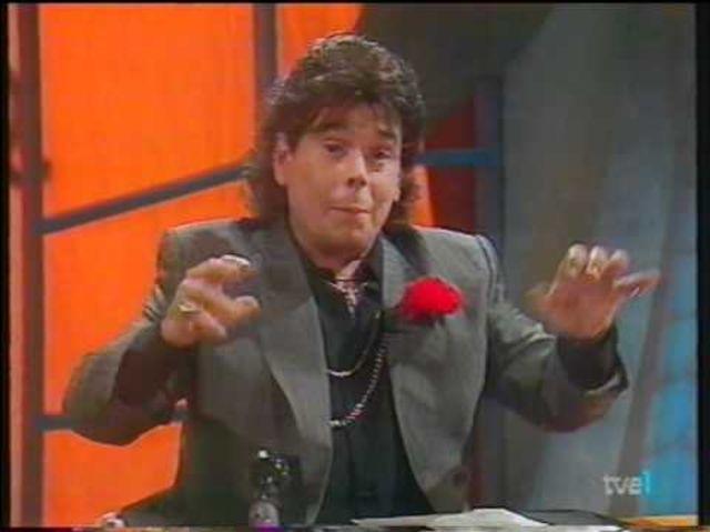 ¿Cómo se llamaba el personaje estrella de Juan Muñoz en Cruz y Raya?