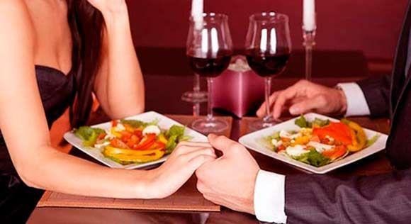 Le/a invitas a cenar por primera vez a tu casa. ¿Qué plato principal eliges?