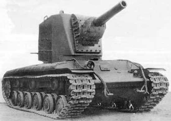 El KV-2 fue un enorme tanque pesado soviético. ¿Cual era su apodo?
