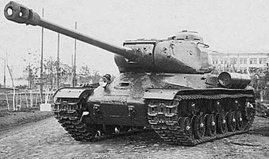 La respuesta soviética al Tiger fue el tanque pesado IS. ¿Cual era el calibre de su munición?