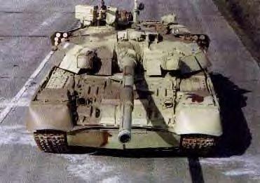 El blindado T-84 es un tanque ucraniano que entró en servicio en 1999. ¿En que blindado está basado?