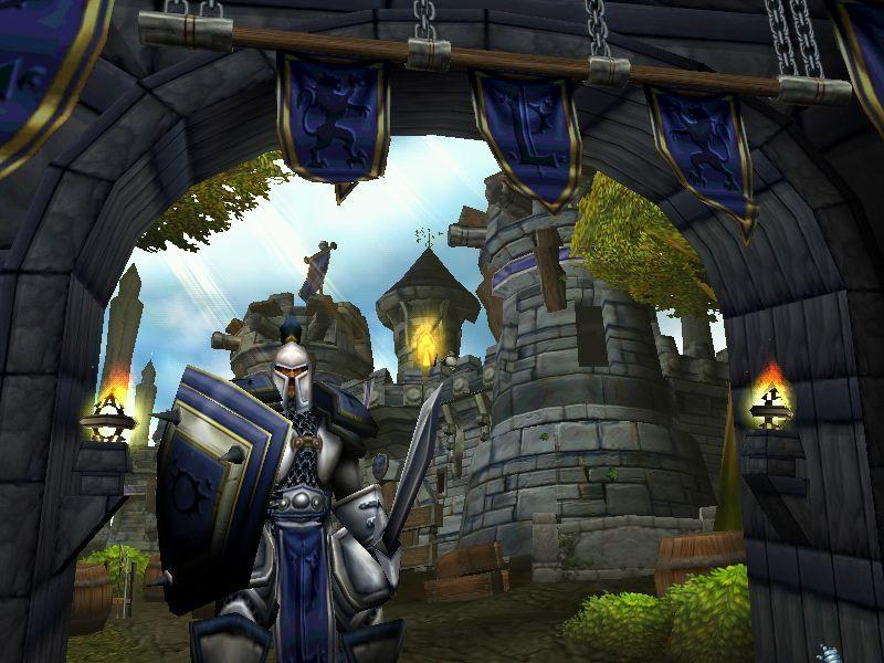 En la primera misión en la campaña de los humanos, ¿Cómo se llama la ciudad que debe defender Arthas de un ataque de los orcos?