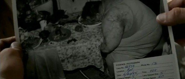 A la primera víctima se le atribuye el pecado capital de la gula. ¿Qué le obligó a comer sin parar el asesino?