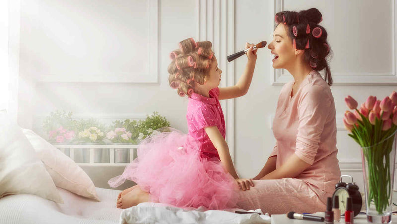 23667 - Madres famosas vs. sus hijas, ¿quién es más guapa?