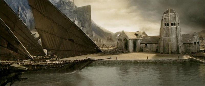 Al día siguiente los elfos te llevan a Harlond , una ciudad-puerto al lado de los puertos grises  ¿ A que region pertenece?