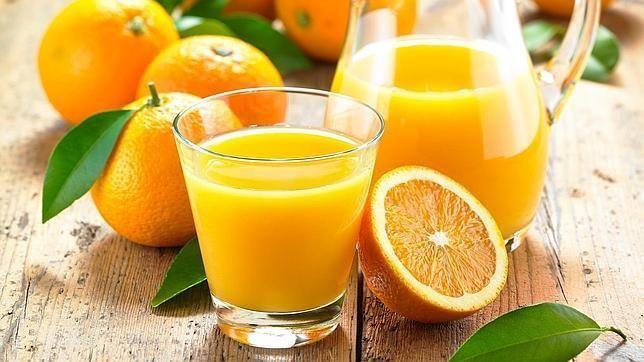 El zumo de naranja pierde su vitamina C si no se bebe enseguida