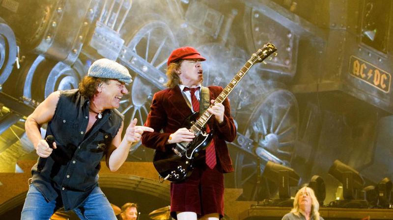 Seguimos con la guitarra, tan grandes como los anteriores, pero sólo puedes elegir uno...