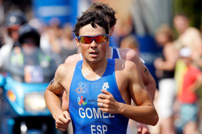 ¿A qué edad se inició el gallego en el triatlón?
