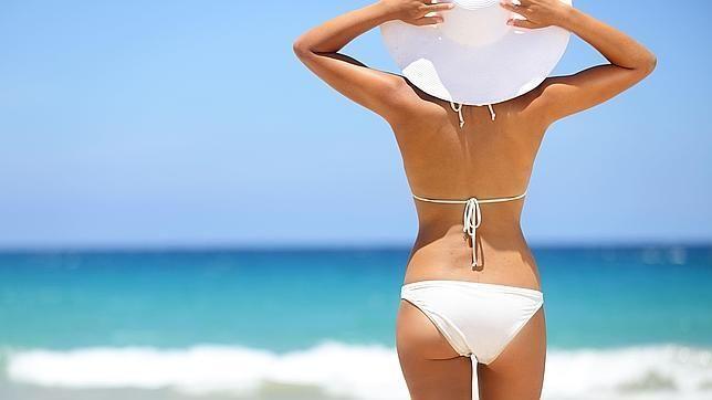 Este país prohíbe el bikini para las feas