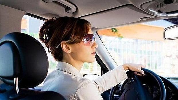 En Este país esta prohibido que una mujer conduzca