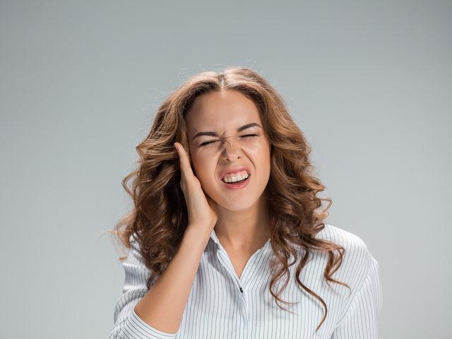 ¿Por qué se nos taponan los oídos?