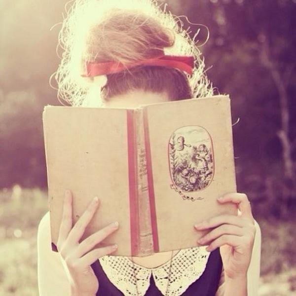 Leyendo un libro...