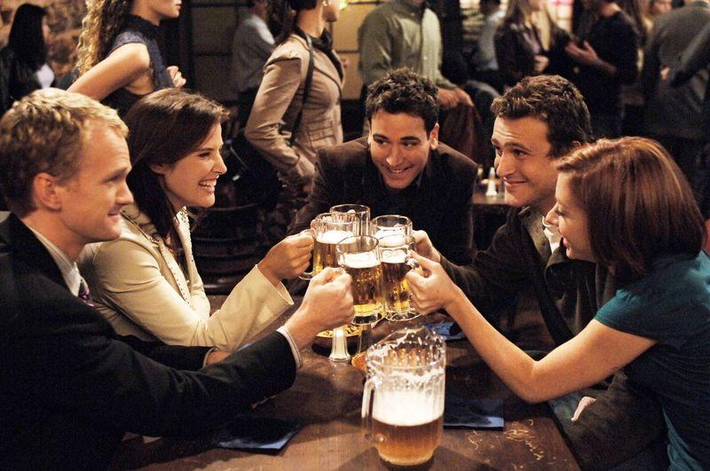 Te decides por los bares, pero cuidado hay muchos inocentes que podrías poner en peligro.