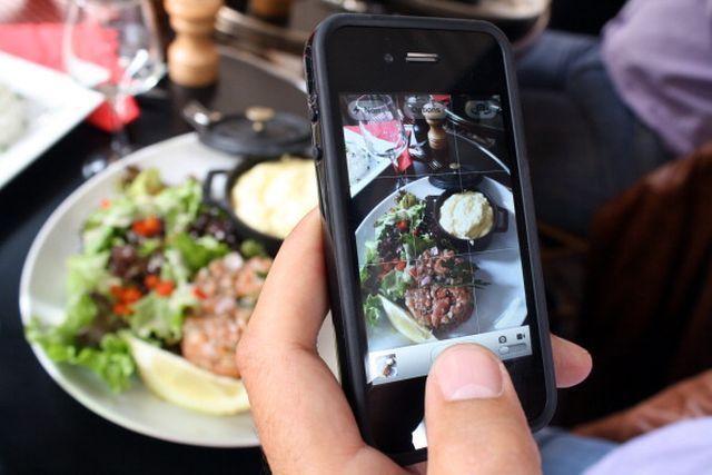 Sales con tus amigos a cenar, y te traen el plato más bonito que has visto en tu vida, ¿Qué haces?