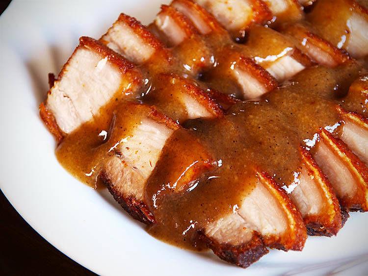 ¿En qué País es típico comer en Navidad Lechón Kawali?