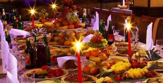 En Suiza el día de Navidad se comen 12 platos por los doce apóstoles y ya no pueden comer mas hasta el dia 30 de Diciembre