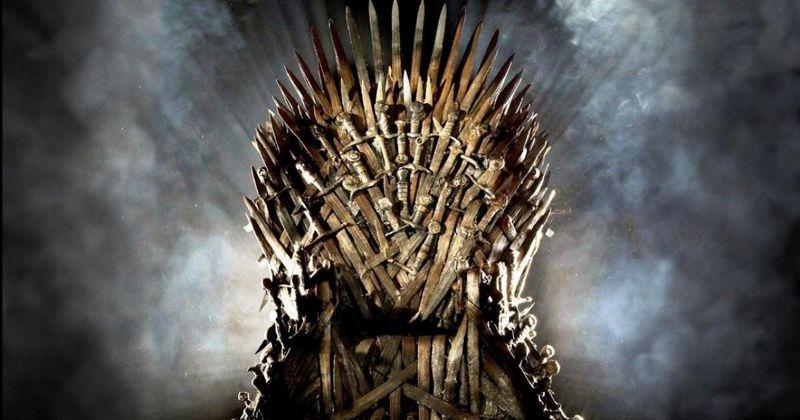 ¿Cuántas espadas enemigas se utilizaron para crear el Trono de Hierro?