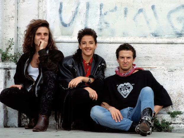 23682 - ¿Cómo siguen estas famosas canciones del mítico grupo musical de los 80-90: Mecano?