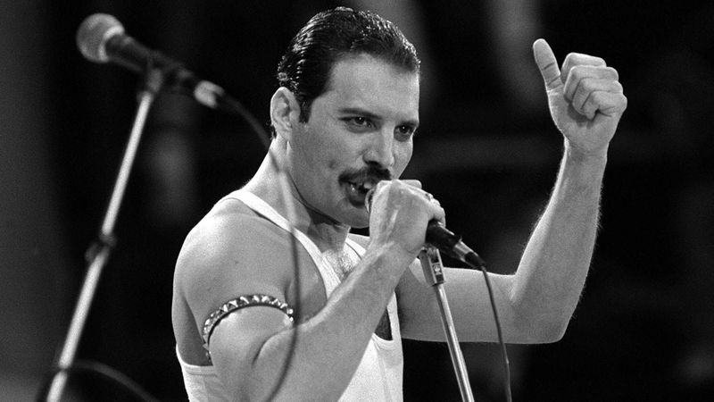 ¿Cuál es el rigistro vocal de: Freddie Mercury?.