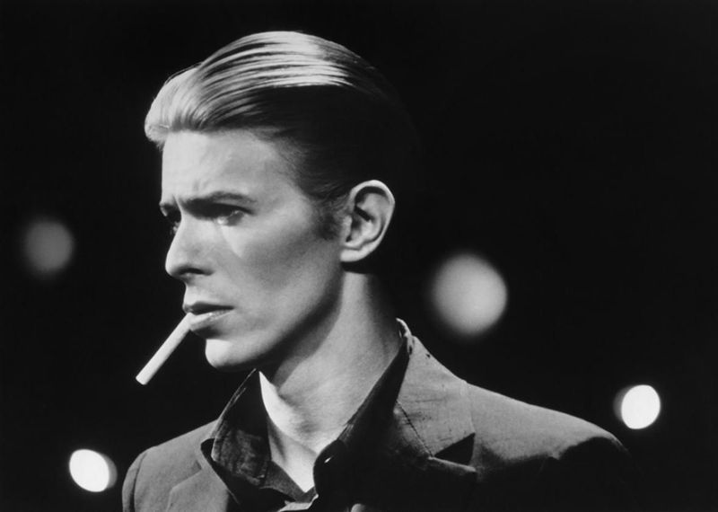 ¿Cuál es el registro vocal de: David Bowie?.