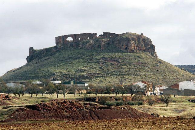 ¿Qué ciudad intentó evitar que la Orden de Santiago se hiciera con el poder de casi todo el Campo de Montiel en la Edad Media?