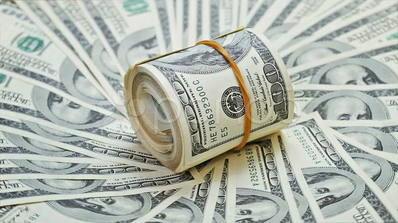 Presencias robo a un banco, pero te das cuenta de que el hombre no se queda el dinero sino que se lo da a un orfanato¿qué haces?