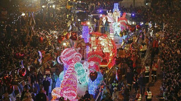 ¿En qué país, según se tiene constancia, datan las primeras cabalgatas de Reyes Magos más antiguas?