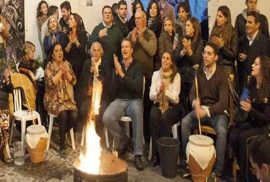 ¿En qué ciudad andaluza son muy famosas las zambombas como fiestas navideñas en la que se cantan villancicos aflamencados?