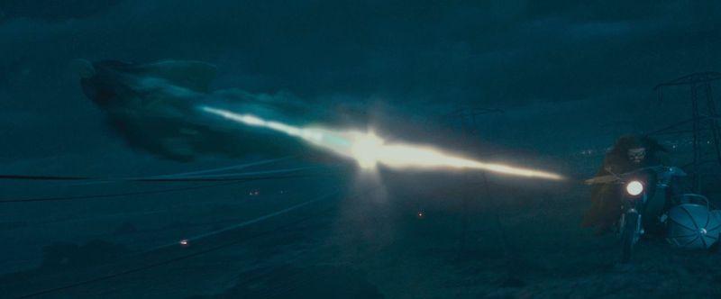 ¿Que hechizo usa Harry para defenderse de Voldemort en su huída de Privet drive?