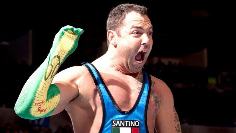 RR 2009 ¿cuántos segundos duro Santino Marella en el ring?
